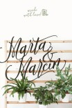 Drewniany napis z nazwiskiem