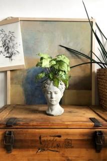 Dekoracyjna osłonka na doniczkę 'Głowa damska S'